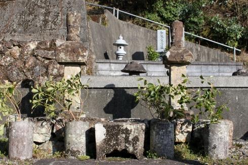 泉貨居士の墓